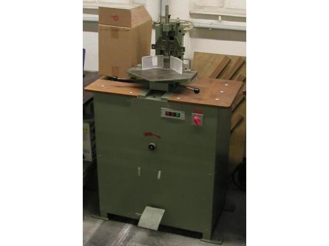 Foellmer Modell M Eckenrundstossmaschine - 1