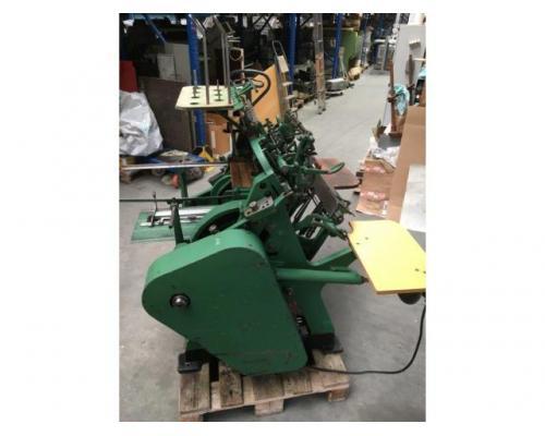 Brehmer 39 3/4-2 halbautomatische Buchblock-Fadenheftmaschine - Bild 4