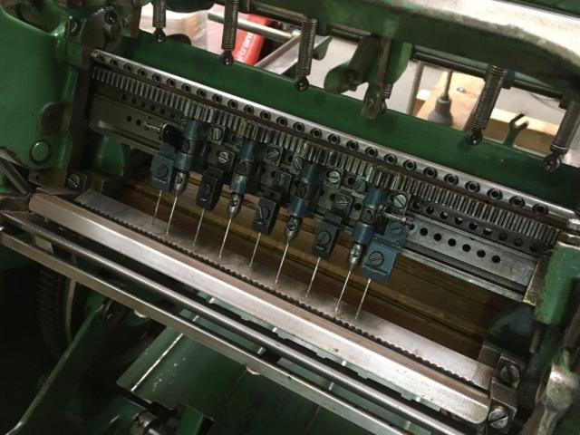 Brehmer 39 3/4-2 halbautomatische Buchblock-Fadenheftmaschine - 12