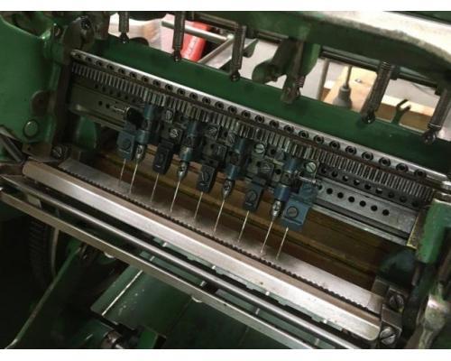 Brehmer 39 3/4-2 halbautomatische Buchblock-Fadenheftmaschine - Bild 12