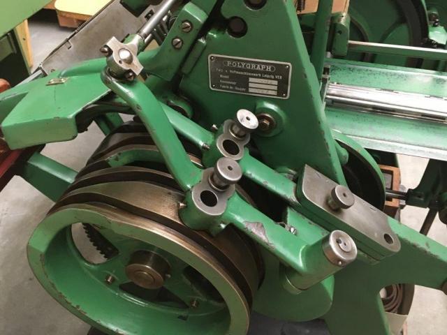Brehmer 39 3/4-2 halbautomatische Buchblock-Fadenheftmaschine - 14