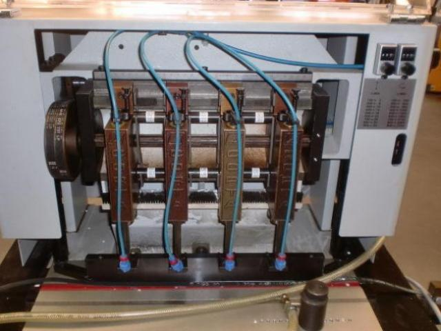 Dürselen Corta PB-04 Vierspindel-Papierbohrmaschine - 2