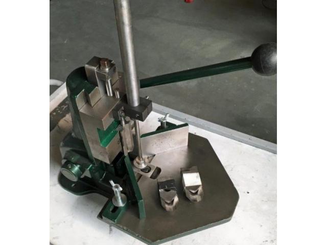 Karl Tränklein EH-1 Eckenrundstosser - 1