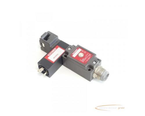 Euchner NZ1VZ-528 E3 / VSM04 L060 + VSE 04 9W 24V mit Anschlussbuchse - Bild 1