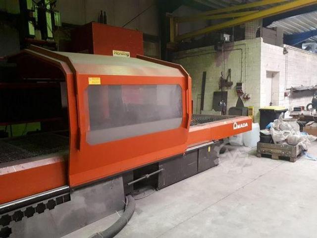 Amada LC3015D CNC Laserschneidanlage mit 4 gesteuerten Achsen - 3