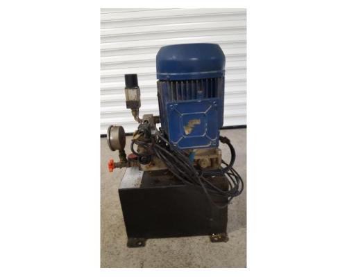 Oleomec Hydraulikaggregat für Werkzeugspannnung, stammt von Fräsmaschine Fidia Digit 318/3 - Bild 2