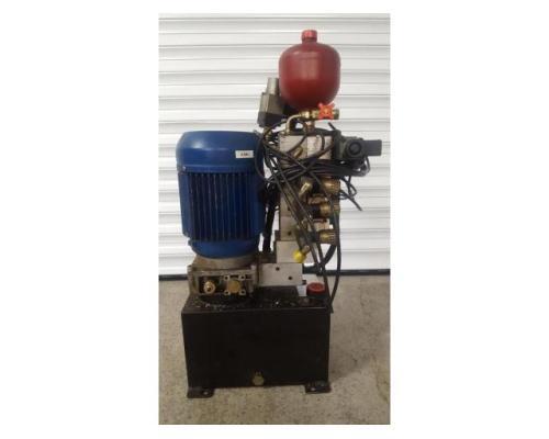 Oleomec Hydraulik-Aggregat zum Schwenken des Fräskopfes von Fräsmaschine Fidia Digit 318/3 - Bild 2