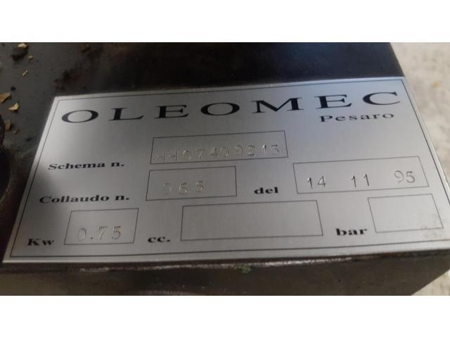 Oleomec Hydraulik-Aggregat zum Schwenken des Fräskopfes von Fräsmaschine Fidia Digit 318/3 - 3