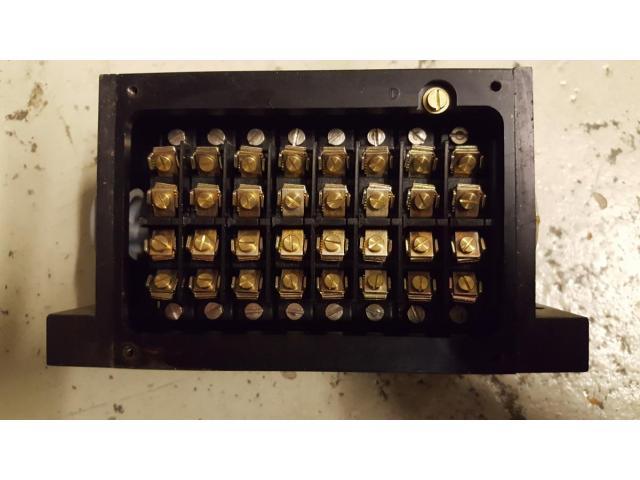 Mulcam 8-fach Endschalter / Reihengrenztaster mit Rollenstößeln - 1