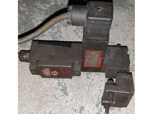Euchner NZ1VZ-528-B3 Sicherheitsschalter - 1
