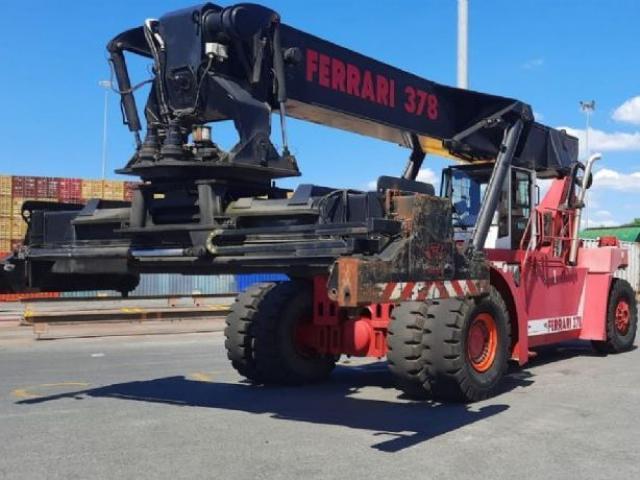 CVS Ferrari F378,5 Reach Stacker 45000kg - 1
