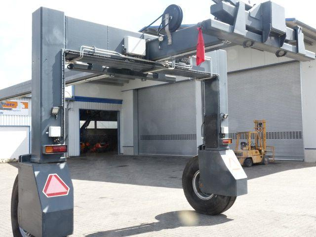 *Sonstige Container Mover Containerstapler 28000kg - 6