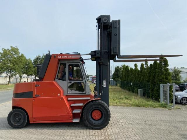 Mora M250CS Gabelstapler 25000kg - 1