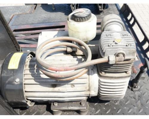 Still R07-25 Gabelstapler - Bild 6