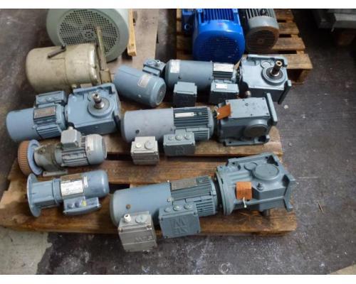 24 Elektromotore, Getriebemotore, Gleichstrommotore, Stellantrieb, 3 Kreiselpumpen 65W-18,5kW im Pak - Bild 2