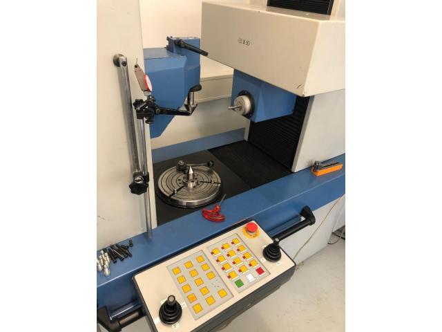 CNC - gesteuertes Mehrkoordinaten - Zahnradmesszentrum Nr. 35 EMZ 402 - 11