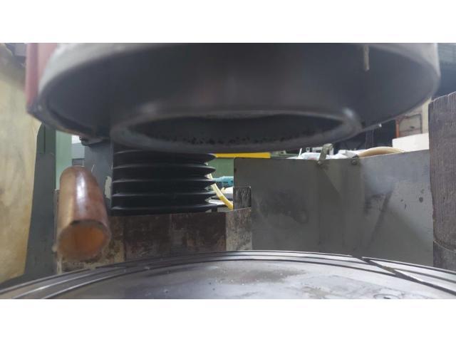 Vertikal Rundtisch Flachschleifmaschine LC 400 - 6