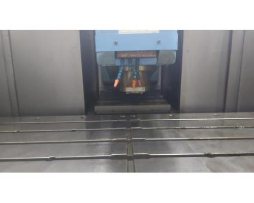 CNC Vertikal Bearbeitungszentrum VTC -30 C - Bild 7