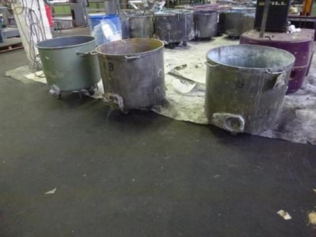 10 Farbmischkübel Mischkessel Rührwerksbehälter Drais 300l rollb. - 2