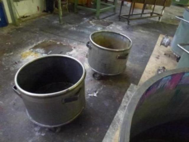 10 Farbmischkübel Mischkessel Rührwerksbehälter Drais 300l rollb. - 9