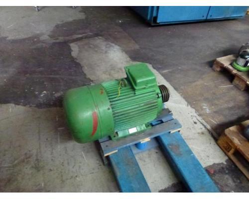 Elektromotor STORK KMER 160L2 380/660 V 18,6 kW 1415 1/min - Bild 3