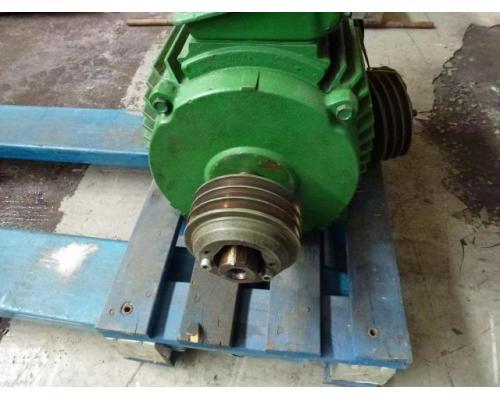 Elektromotor STORK KMER 160L2 380/660 V 18,6 kW 1415 1/min - Bild 4