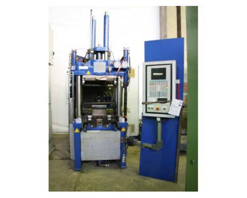 FREUDENBERG Spritzgiessmaschine - Sondermaschine FAINJECT 2000 - Bild 1
