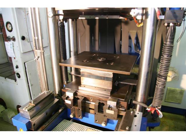 FREUDENBERG Spritzgiessmaschine - Sondermaschine FAINJECT 2000 - 2