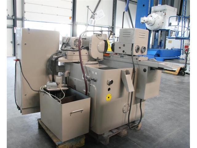 TOS-HOSTIVAR Rundschleifmaschine - Universal BUA 20 - 5
