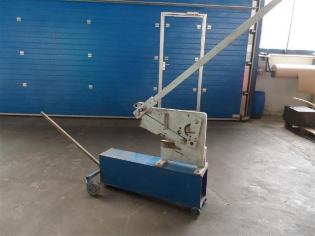 Nossener Maschinenbau Profilstahlschere ScDH10 - 1