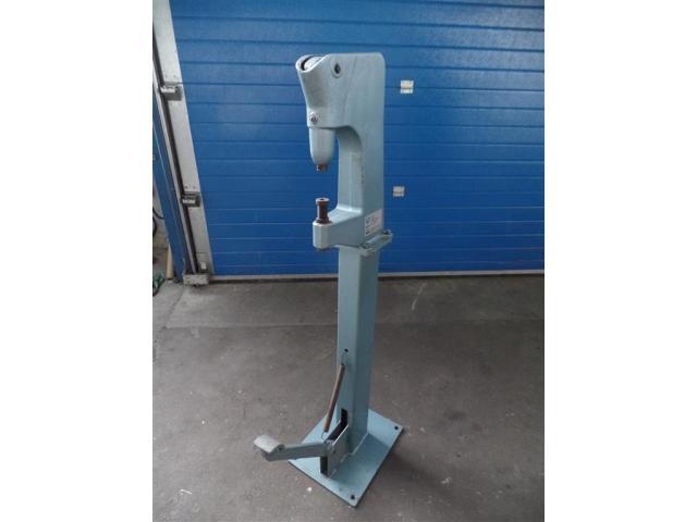 Matra Werke Nietmaschine 3213.00000.020 - 1
