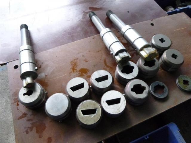 Salvagnini Abkantwerkzeuge div. Werkzeugformen - 2