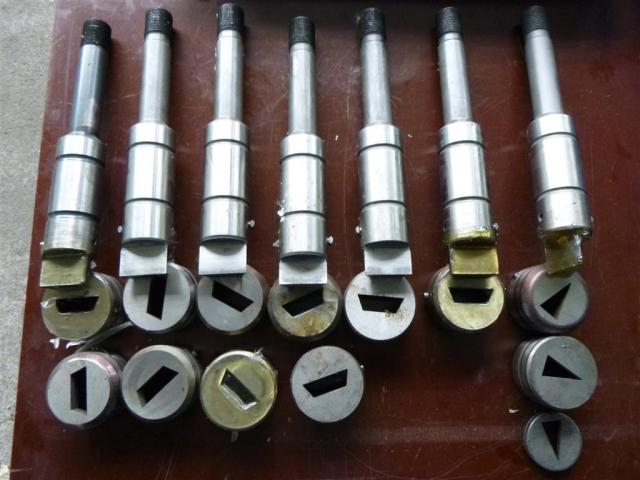 Salvagnini Abkantwerkzeuge div. Werkzeugformen - 3