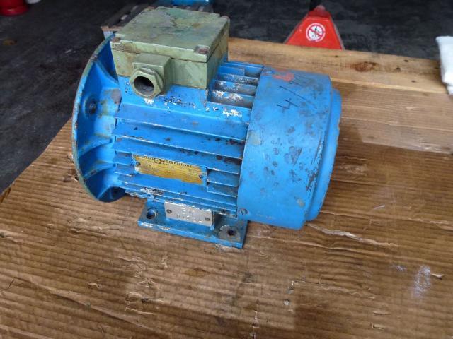 Flanschmotor ZSE Praha 3~ 4AP90S-4 380/220V 1,1KW 1141U - 1