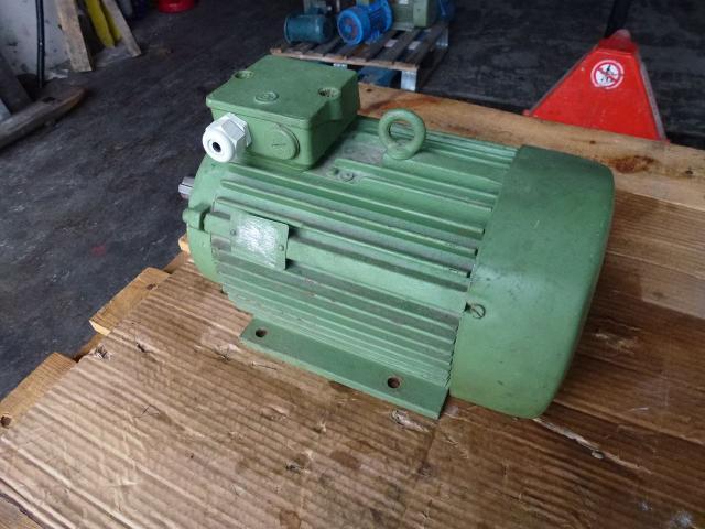 Flanschmotor ZSE Praha 3~ 4AP90S-4 380/220V 1,1KW 1141U - 5