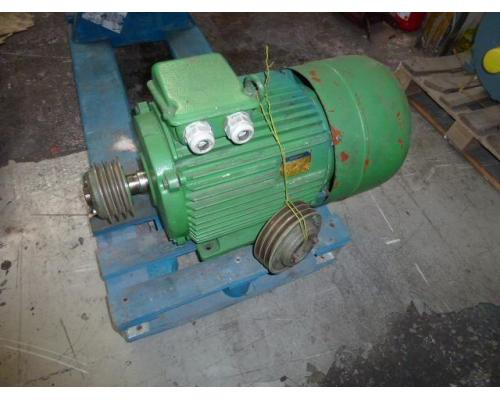 Flanschmotor ZSE Praha 3~ 4AP90S-4 380/220V 1,1KW 1141U - Bild 12