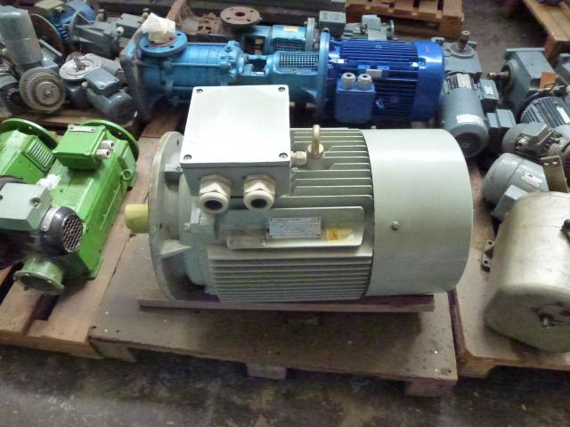 Flanschmotor ZSE Praha 3~ 4AP90S-4 380/220V 1,1KW 1141U - 14