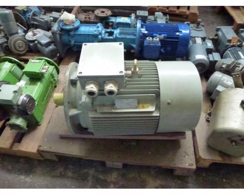 Flanschmotor ZSE Praha 3~ 4AP90S-4 380/220V 1,1KW 1141U - Bild 14