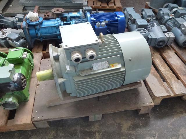 Gleichstrommotor Werkstätten Hof 7,75kW 440V- 3100U Lüfter fehlt - 15