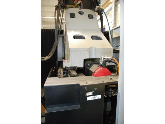 Vertikales Bearbeitungszentrum STAMA MC 326 - 4