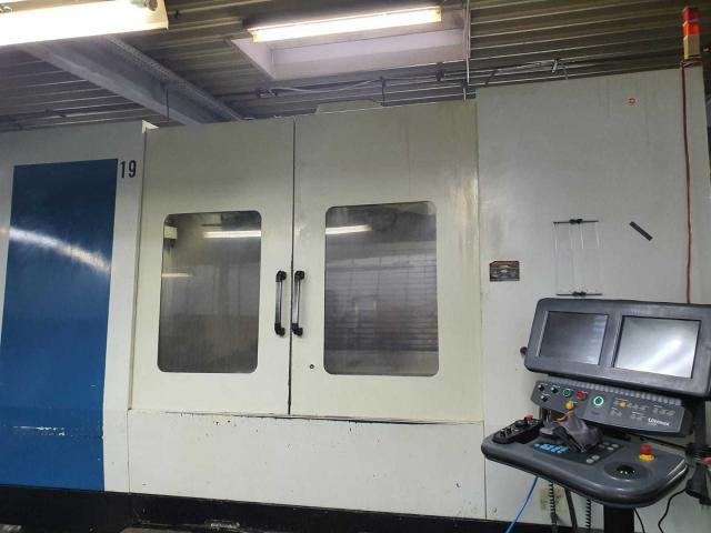 Bearbeitungszentrum Hurco VMX 64 - 4