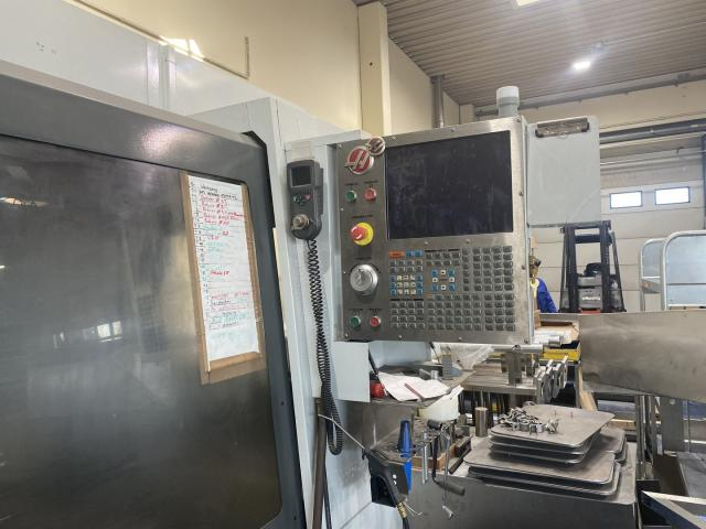 Bearbeitungszentrum Haas VF 7 - 2