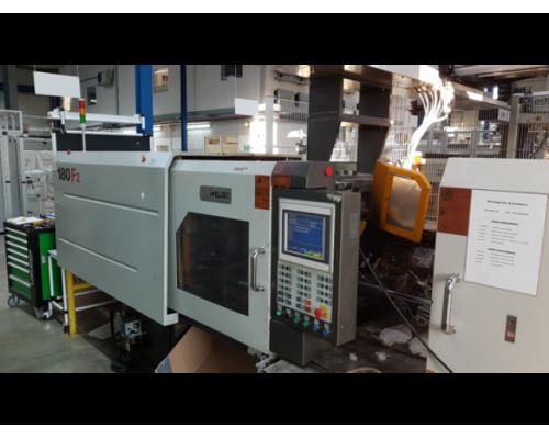 Spritzgießmaschine mit Robotsystem Welltec 180 F2 - Bild 1