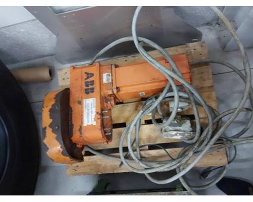 Roboter KUKA KR 480 R3330 MT - Bild 2