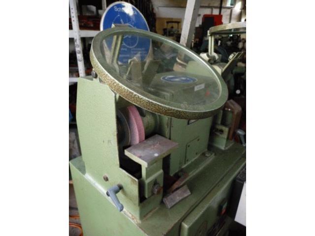 FAMO Werkzeugschleifmaschinen G 200A - 2