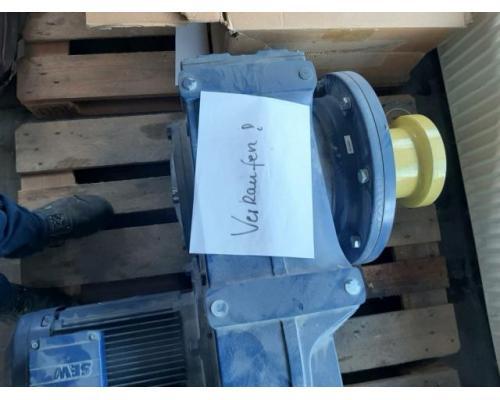 SEW EURODRIVE Flach-Getriebemotor FF107 - Bild 1
