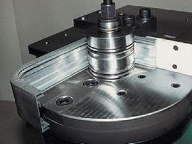 Hydraulische Presse 1300 CNC - 3