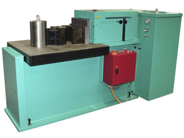 Hydraulische Biegemaschine 1300 HE - 3